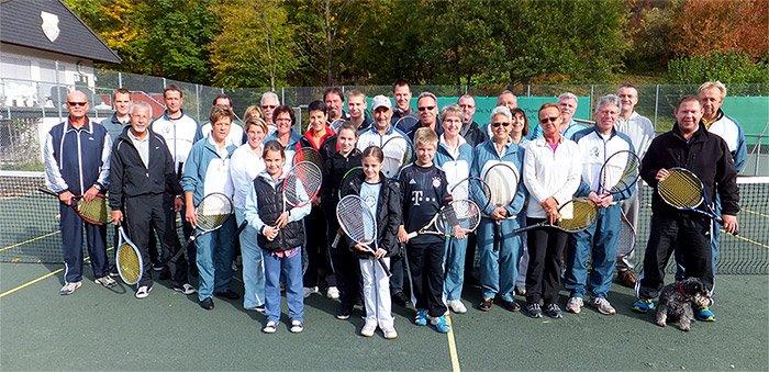 Gruppenbild der Lorcher Tennisspieler