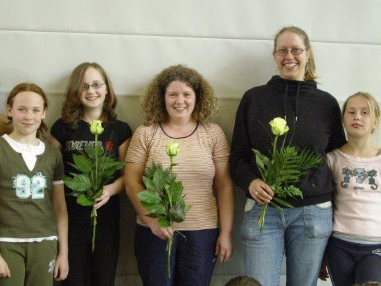 Bild, v.li.n.re.: Nora Diedler, Nicole Klein, Gabriele Müller (nicht auf dem Bild: Carolin Strohbehn